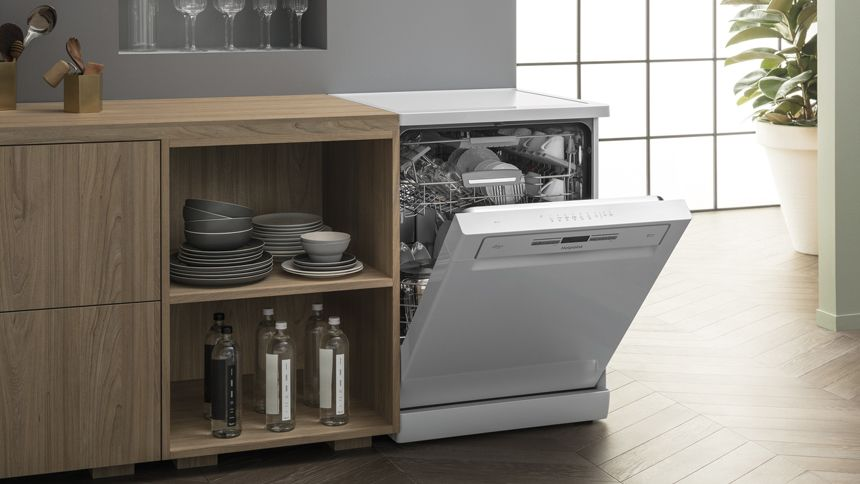 Hotpoint Dishwashers. Up to 30% off + extra 20% Teachers discount