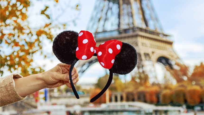 Disneyland® Paris Breaks. £25 Teachers discount