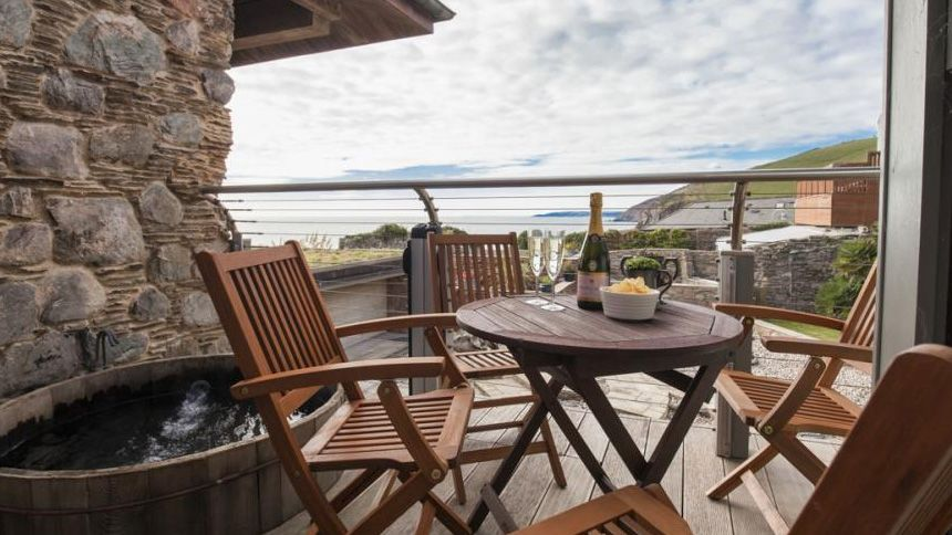 Luxury UK Holiday Cottages - £100 Teachers discount