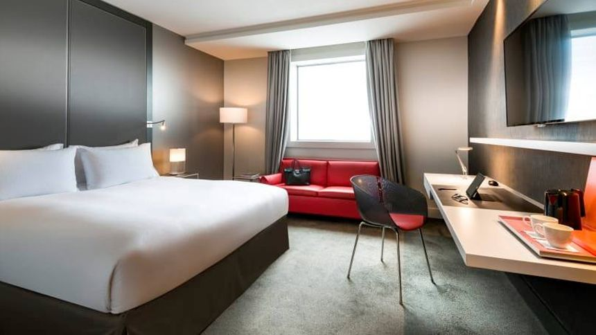 UK & Worldwide Hotels - £25 off for Teachers
