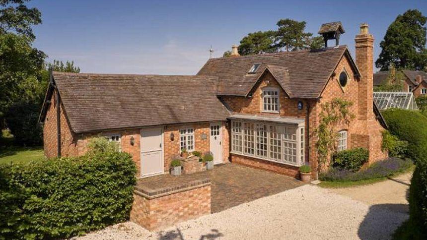 Luxury Cottages - £50 Teachers Discount