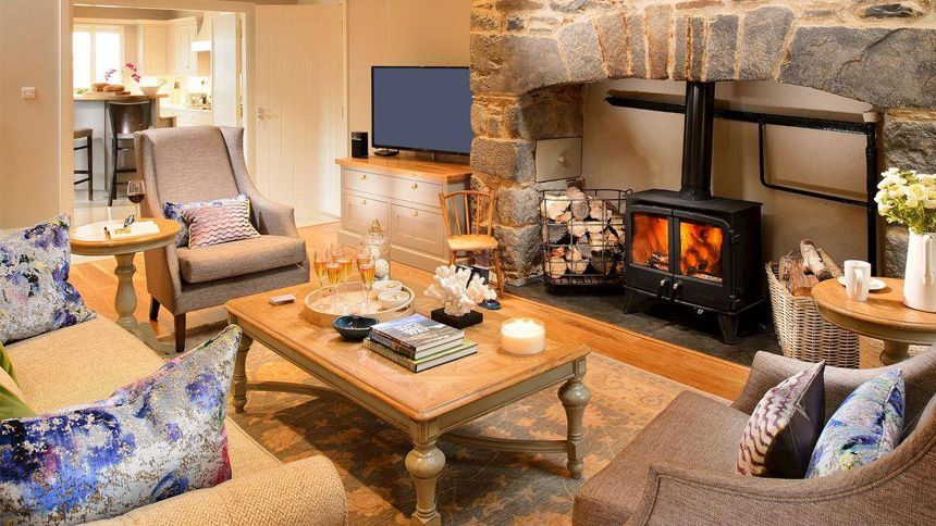 Last Minute Cottage Breaks. From £199 + extra 7% Teachers discount