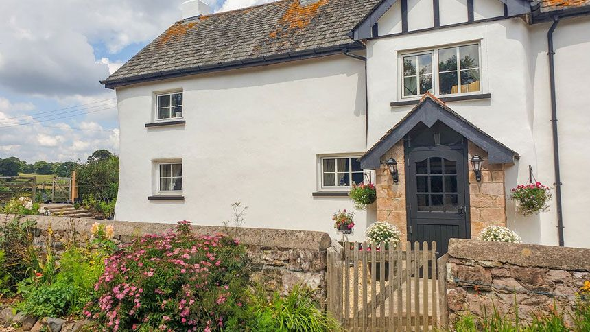 Sykes Cottages. £40 Teachers discount
